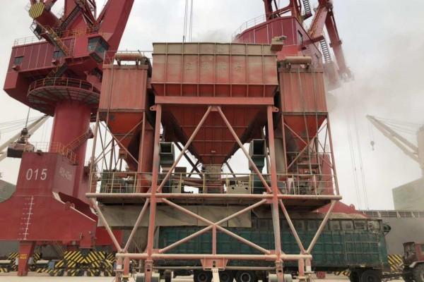 Инспекция оборудования в китайском порту Lianyungang